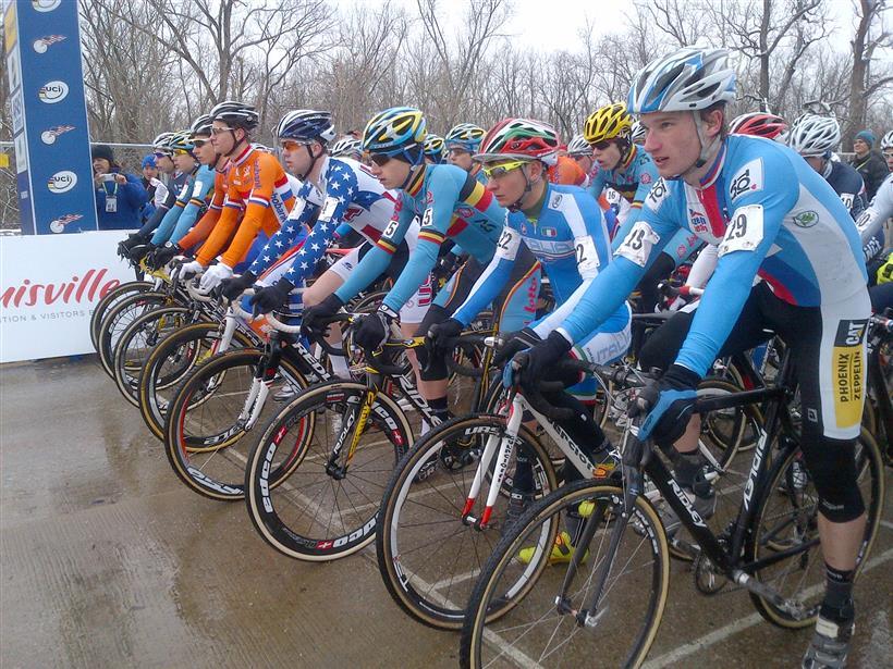 La Nazionale italiana ciclocross al via del 70° GP Liberazione